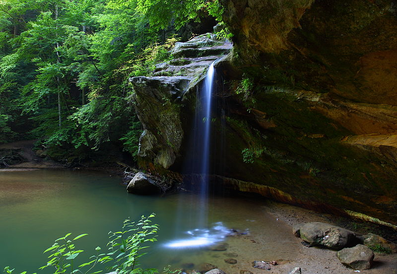 800px-Lower-Waterfalls-Old-Mans-Cave-Ohio_-_West_Virginia_-_ForestWander
