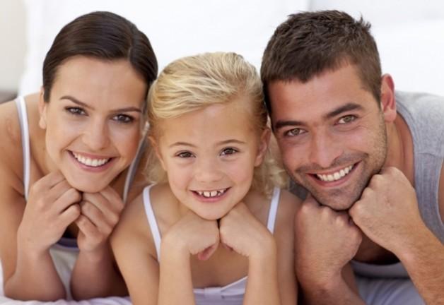 anapnoes.gr : kalyteroi goneis 628x432 Γιατί βάζω τον άνδρα μου πάνω από τα παιδιά μου εξηγεί μια μαμά προκαλώντας αντιδράσεις