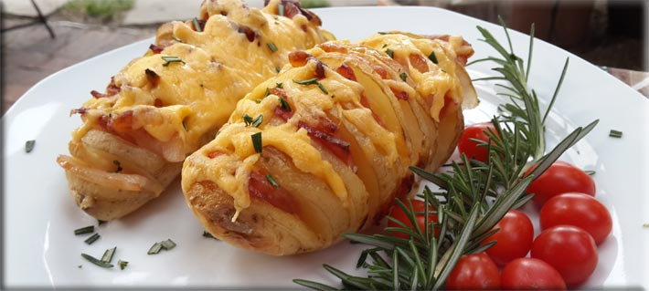Baked-Potato-with-Bacon-and-Cheese