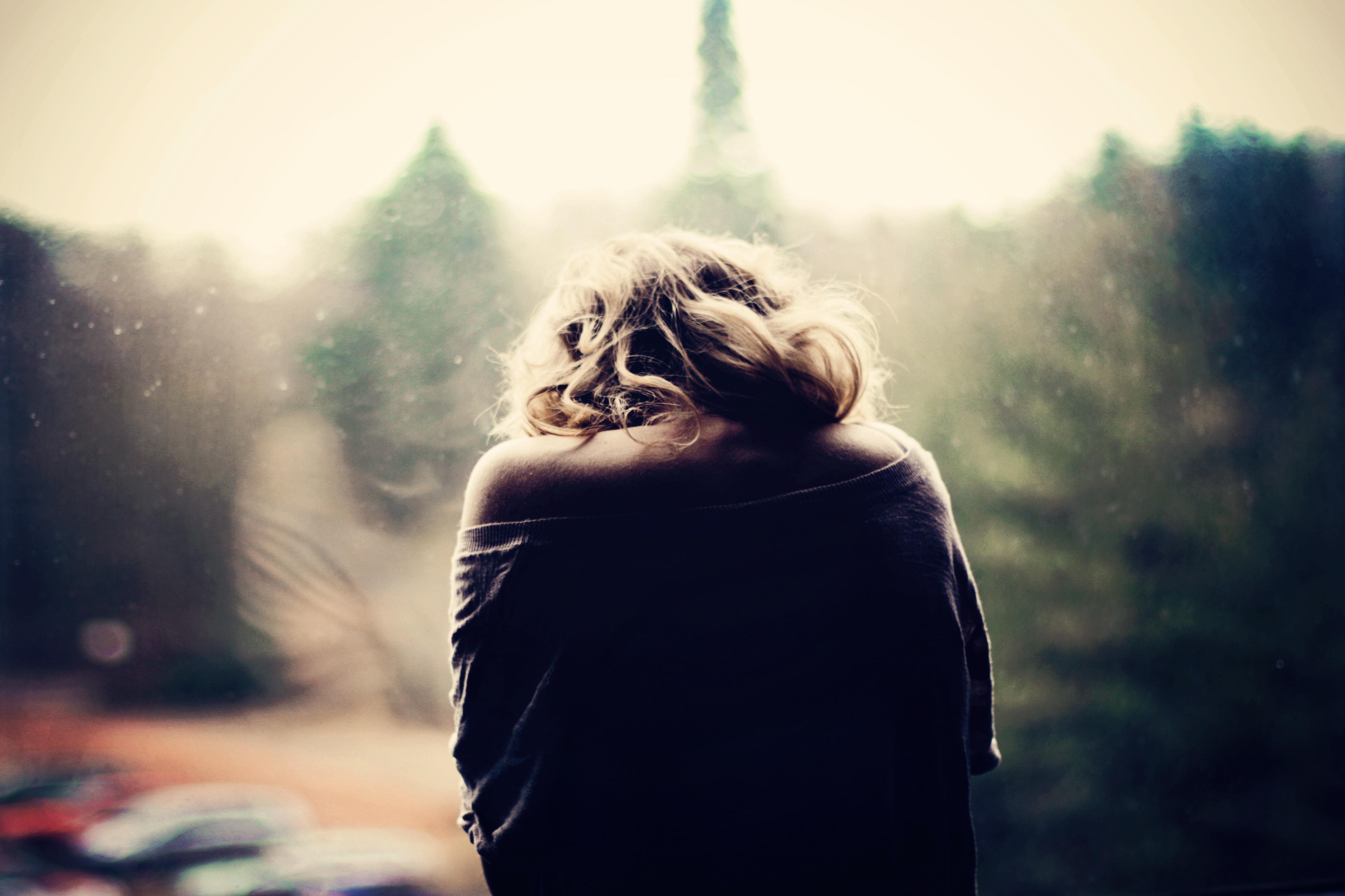 Σ' αγάπησα, που να πάρει, μα εσένα ούτε που σ' ένοιαξε.