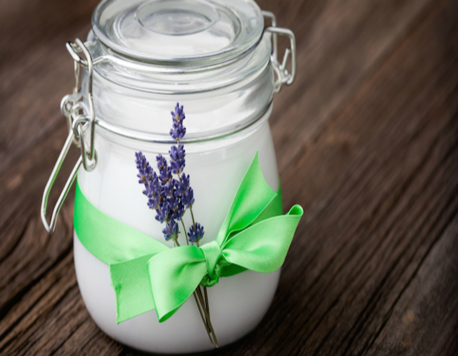 glass_jar_coconut_oil_with_lavender_sprig_700px
