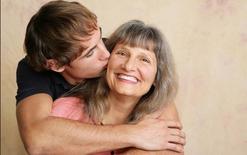 Να τις αγαπάτε τις μάνες σας ρε!!