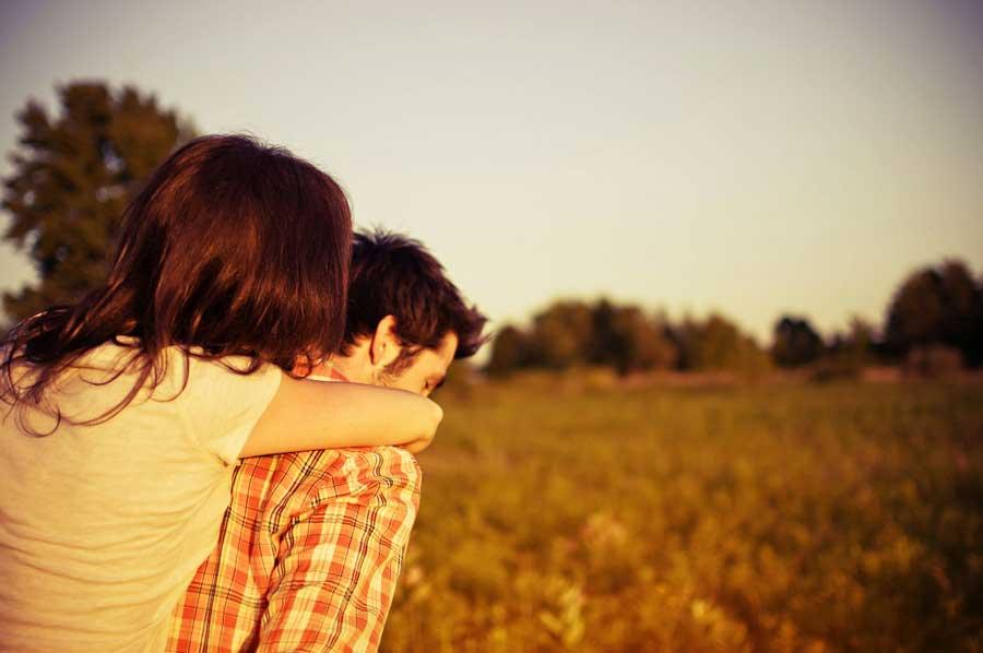 Ο έρωτας θέλει δύο μαζί, δεν μπορείς να τον ζήσεις μόνος σου.