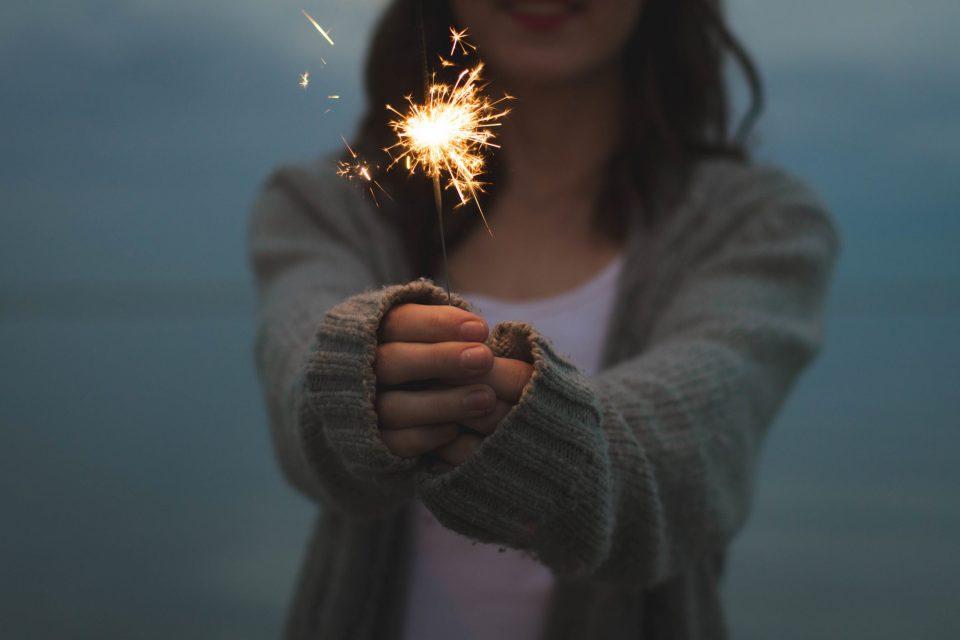 Θα υπάρξει κάποτε, κάποιος που θα σ'αγαπήσει γι'αυτό που είσαι.