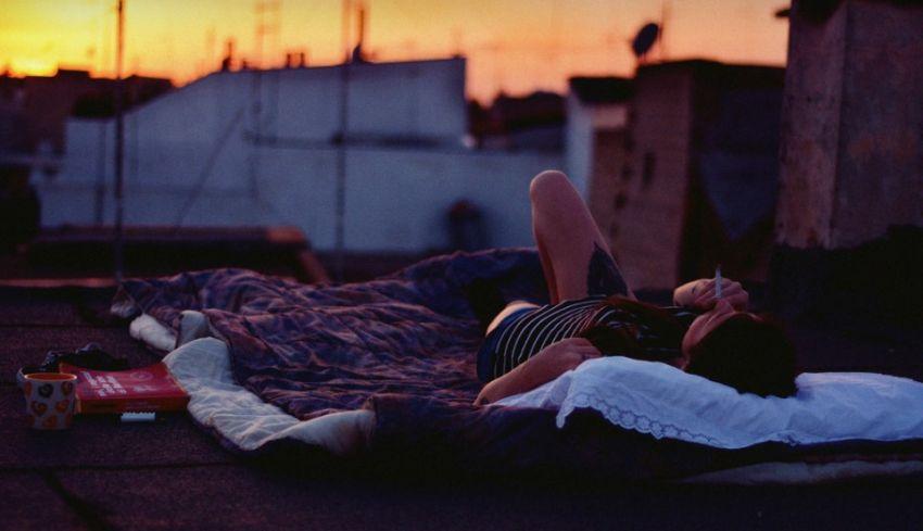 Μάρω Βαμβουνάκη: Ο έρωτας δεν τελειώνει ποτέ, μονάχα μετακομίζει.