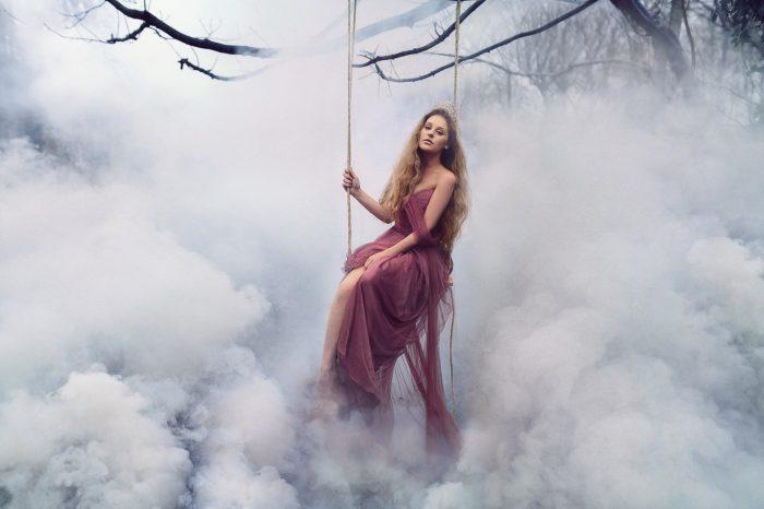 Στο δικό μου σύννεφο αγαπάμε χωρίς βαρίδια...