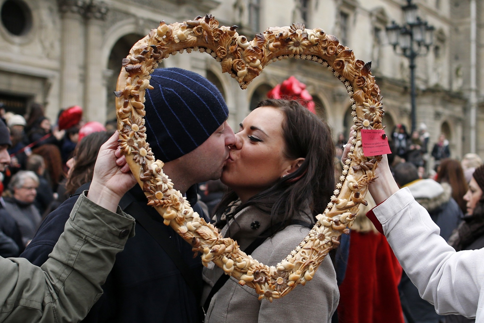 wearing valentines day traditions - HD1170×780