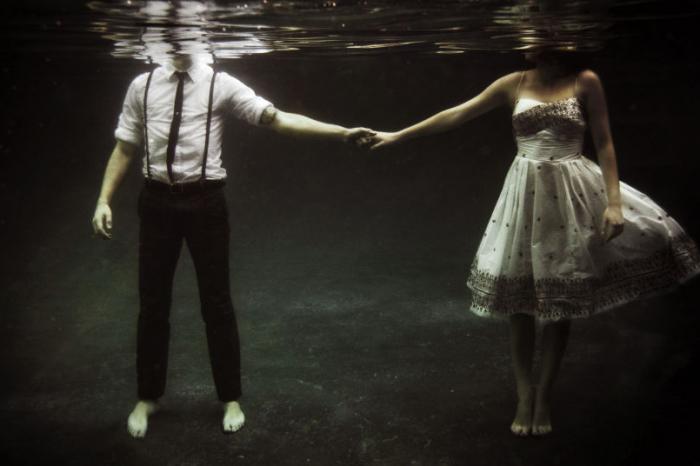 Οι απρόσμενες αγάπες είναι ότι ομορφότερο μπορεί να σου συμβεί.