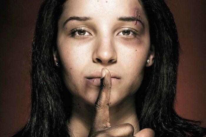 Μην αφήνεις κανένα να σε πληγώνει ψυχικά και σωματικά. Μίλα!