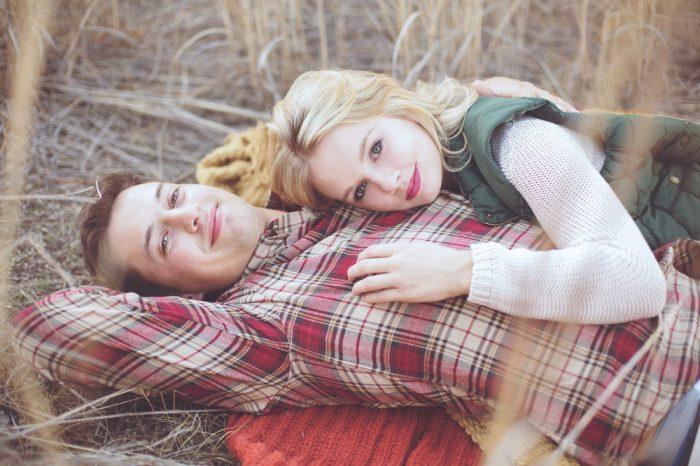 Ειλικρινά σε ερωτεύομαι όταν μαζί σου ερωτεύομαι περισσότερο τη ζωή.
