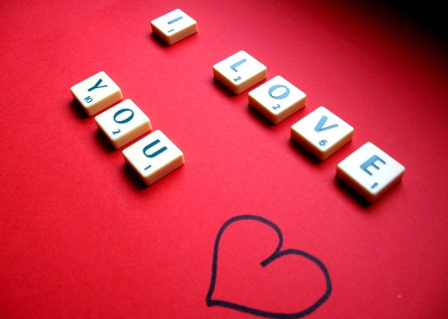 Παιχνίδι είναι ο έρωτας, με πίστες, κόλπα, κλεψιές κι όλα τα σχετικά.