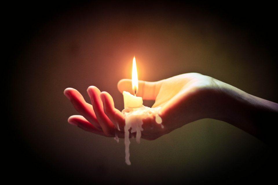 Μην περιμένεις από κανένα να σου «δώσει» δύναμη, ψάξε μέσα σου.