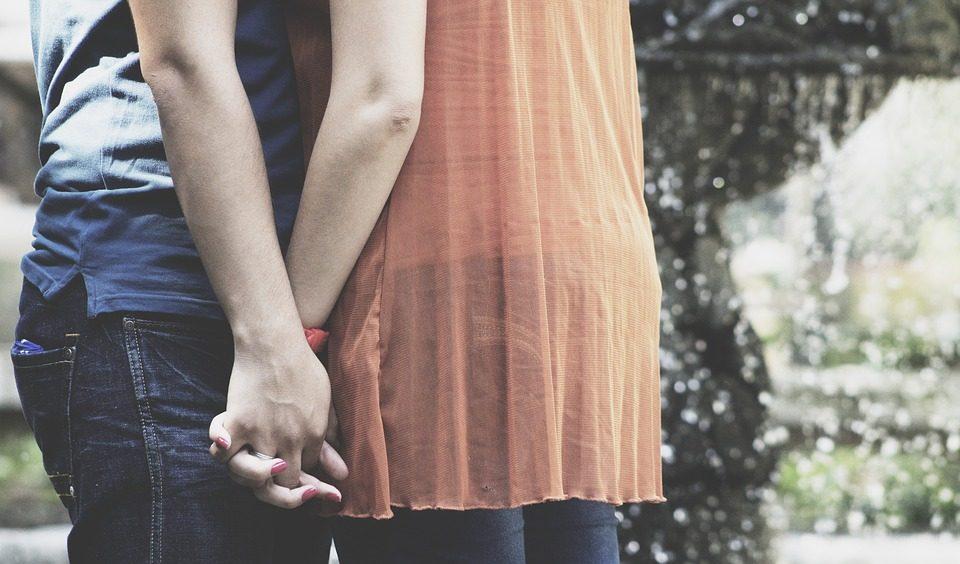 Άσε με να σ' αγαπάω...